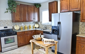 4210-annatana-avenue-kitchen-6